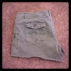 Military cargo shorts American Eagle Military cut off cargo shorts from American Eagle. Super soft! Size 14. 3.5 inch inseam. American Eagle Outfitters Shorts