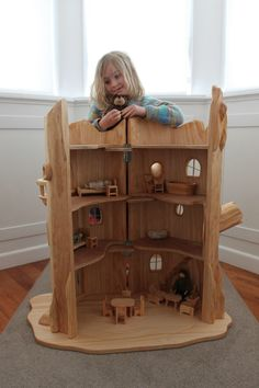 doll house Tree Stump Fairy House - Deluxe Dolls House with furniture -- Woodbotherer, Felt Wooden Dolls House Furniture, Dollhouse Furniture, Furniture Plans, Fairy Furniture, Wooden Dollhouse, Diy Dollhouse, Dollhouse Miniatures, Woodworking Projects Plans, Diy Woodworking