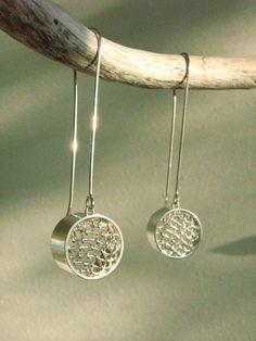Silo-Mesh dangle earrings sterling silver - Nur Cirakoglu Canada