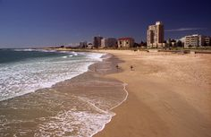 Port Elizabeth Beach is one to be envied! Port Elizabeth South Africa, Places Around The World, Around The Worlds, Beautiful Landscape Pictures, Provinces Of South Africa, Visit South Africa, Pretty Landscapes, Landscaping Images, Honeymoon Places