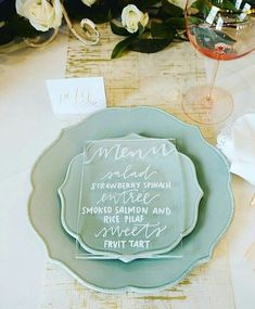 33 Edgy Acrylic Wedding Stationary Ideas | HappyWedd.com #PinoftheDay #edgy #acrylic #wedding #stationary #ideas