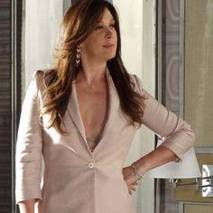 """A obsessão que Livia Marine (Claudia Raia) tem por Theo (Rodrigo Lombarid) pode custar muito caro em """"Salve Jorge"""". Nos próximos capítulos da novela de ..."""