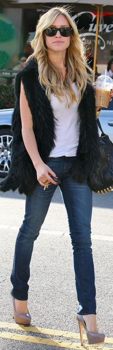 Dying to get myself a faux fur vest.