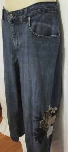 0d06cbd8 Chicos Womens 2.5 Blue Jeans Amber Crop Capris 12 14 Stretch Floral  Platinum Chico Clothing,