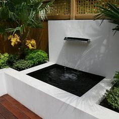 Why You Should Invest In Simple Water Features For Your Home Garden – Pool Landscape Ideas Small Water Features, Outdoor Water Features, Water Features In The Garden, Contemporary Water Feature, Contemporary Garden, Backyard Pool Designs, Ponds Backyard, Modern Garden Design, Deck Design