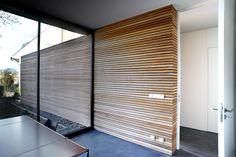 Niedrigenergiehaus in filsdorf - haus kieffer klas - Murales Pared Exterior Exterior Wall Cladding, Timber Cladding, Wall Cladding Interior, Cladding Panels, Style At Home, Interior Walls, Interior And Exterior, Casa Patio, Patio Wall