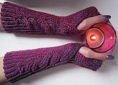 crochet wristwarmers sock yarn 4 ply free pattern