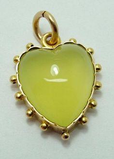 Geek Jewelry, Gothic Jewelry, Heart Jewelry, Antique Jewelry, Vintage Jewelry, Jewelry Box, Jewelry Necklaces, Vintage Heart, Heart Charm