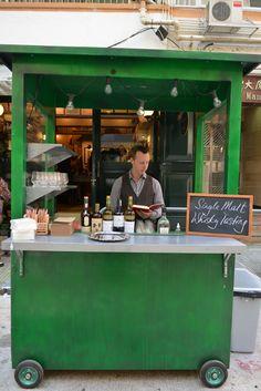 Outdoor wedding dessert cart idea for client A+S Bistro Restaurant, Cafe Bistro, Restaurant Design, Mobile Cafe, Mobile Shop, Catering Van, Cafe Exterior, Food Kiosk, Green Facade