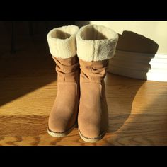Land's End faux fur boots - never worn! 6.5M Camel colored boots with cream faux fur lining from Land's End.  Never worn - tag still attached!  Check out the back of the boots... Super cute!  The look of the high end (you know what I'm talking about) boot for way less! Size 6.5M Lands' End Shoes Ankle Boots & Booties