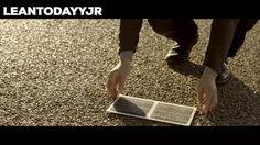 Wattway by Colas yollara döşediği fotovoltaik hücreler ( güneşten elektrik elde eden hücreler) ile güneş enerjisini elektrik enerjisine dönüştürerek temiz, yenilenebilir bir enerji sağlıyor #güneşenerjisi #elektrikenerjisi #yenilenebilirenerji #enerji #yaratıcı #teknoloji #fotovoltaik #çocuk