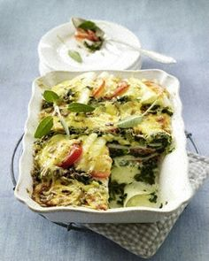 Kohlrabi-Lasagne mit Spinat und Tomaten/Kohlrabi lasagne with spinach and tomatoes