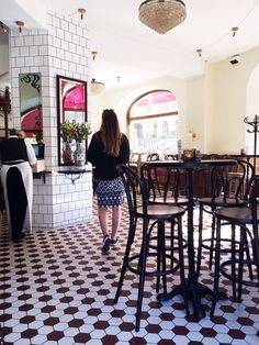 Besök Bistro Levantine i Göteborg och kolla in deras snygga golvplattor, vår fina Grynna hexagon!