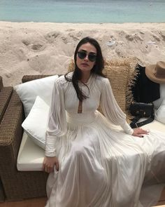 Turkish Women Beautiful, Turkish Beauty, Arab Fashion, Turkish Fashion, Selena Gomez Short Hair, Cover Shoot, Arabian Women, Esra Bilgic, Dressy Casual Outfits