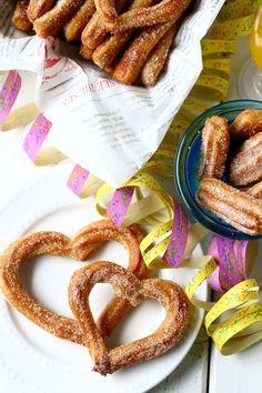 Helpot churrot uunissa eli uunichurrot - Suklaapossu Churros, Sausage, Cereal, French Toast, Food And Drink, Baking, Breakfast, Sweet, Desserts