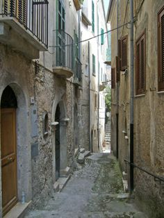 Walking up a street in San Donato val di Comino