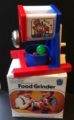 Vtg-Food-Grinder-Play-Food-Appliance-Turn-The-Crank-Plastic-Balls-Ring-Bell-NIB
