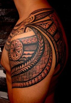 Shoulder Tattoo to Shdoulder Blade with Tattooing Style Samoan Maori by Thierry Manao Tiki Tattoo