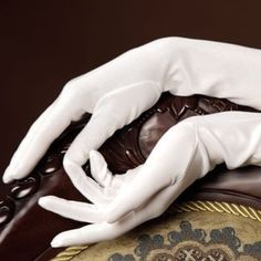 '' white gloves for a girl full of darkness - an irony that worked well for some time. Bioshock, Journey To The Past, Anastasia Romanov, Cheryl Blossom, Princess Aesthetic, The Great Gatsby, Peaky Blinders, White Gloves, Character Inspiration