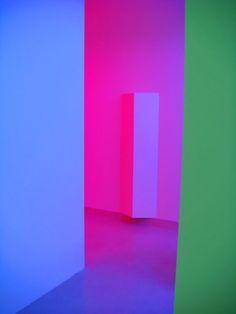 """Chromosaturation en la exposición """"Cruz-Diez La Couleur dans l'Espace"""", 2007."""