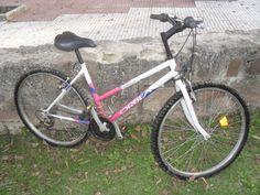 Cholliiito del quince!! Bicicleta rosa y blanca de marca ORBEA http://boibu.com/aag5 #Bicicletas