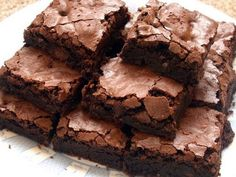 Yummy brownies! Crispy on the outside and gooey on the inside! That's how i like 'em!!!!!