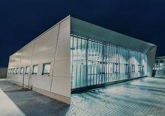 Erweiterung Fräserei 2013 Industriebau Neubau einer Lager – Produktionshalle Auf dem polygonalen Grundstück galt es die bestehende Fräserei zu erweitern. Daraus entstand ein Entwurf de…