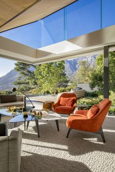 Modern contemporary living room with indoor outdoor living aesthetic and clerestory windows Dream Home Design, My Dream Home, Home Interior Design, Interior Architecture, Cheap Living Room Sets, Home Living Room, Living Room Designs, House Rooms, Luxury Homes