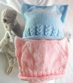 Pour les bébés un bonnet oreilles de chat et jolis cœurs : j'a réalisé ce bonnet pour nos bébés d'amours, à partir de 3 mois et plus , super mignon Knitted Hats, Winter Hats, Knitting, Sweaters, Julie, Ears, Diy, Fashion, Tejidos