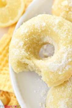 Lemon sugar baked donuts the perfect sunny treat for breakfast or dessert! Lemon sugar baked donuts the perfect sunny treat for breakfast or dessert! Köstliche Desserts, Delicious Desserts, Dessert Recipes, Yummy Food, Cake Recipes, Baked Donut Recipes, Baked Doughnuts, Cake Donut Recipe Baked, Donuts Donuts