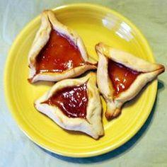Hamantaschen - Jewish Cookie (3 eggs, sugar, oil. vanilla, orange juice, flour, baking powder, jam)
