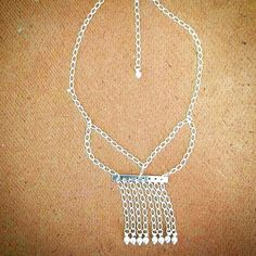#tarde #prata #silver #pérola #pearl #paulaferreira #semijoia #colar #franja #serfeliz #mimo #quero #beaut #beleza #fashion #lookdodia #temqueter #a #b #c