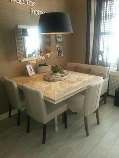 Prachtige tafel, ingelegd