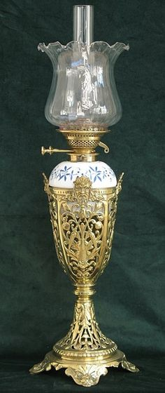 BEAUTIFUL LARGE HIGHLY DECORATIVE EDWARDIAN SOLID BRASS OIL LAMP C1910