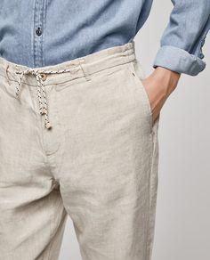 Imagen 4 de PANTALÓN FLUIDO LINO de Zara Men Trousers, Men's Pants, Man Dress Design, Casual Shirts For Men, Men Casual, Loose Shirts, Linen Pants, Zara, Men Dress