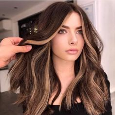 Are Your Stress Levels Thinning Your Hairline? Hair Color Streaks, Hair Color And Cut, Hair Dye Colors, Hair Color Purple, Hair Highlights, Color Highlights, Brown Blonde Hair, Medium Blonde, Hair Medium