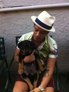 Awww Bruno Mars and a puppy