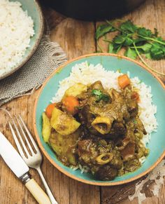 Shisanyama Braai Recipes is the latest book by South Africa's king of the grill, Jan Braai. This Bloemfontein Lamb Curry is one of the recipes in the book. South African Dishes, West African Food, South African Recipes, Ethnic Recipes, Braai Recipes, Fish Recipes, Slow Cooker Recipes, Cooking Recipes, Lamb Curry