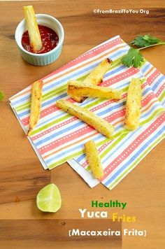 Baked Yuca Fries Brazilian recipe for healthy yuca fries (Aipim Frito) which are loaded with flavor without expanding your waist line.Brazilian recipe for healthy yuca fries (Aipim Frito) which are loaded with flavor without expanding your waist line. Yucca Fries, Comida Latina, Healthy Sides, Healthy Recipes, Yuca Recipes, Free Recipes, Easy Recipes, Dinner Recipes, Kuchen