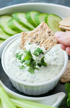 This Creamy Cilantro Cucumber Dip is quick, easy, and so incredibly delicious! Pair this tasty mayo-free dip it with veggies for healthy snack! Appetizer Dips, Healthy Appetizers, Appetizers For Party, Appetizer Recipes, Healthy Snacks, Dip Recipes, Cooking Recipes, Summer Recipes, Cucumber Dip