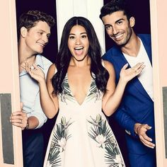 TV: Jane the Virgin: Jane & Rafael OR Jane & Michael; both couples have strong connections Jane The Virgin, Best Series, Best Tv Shows, Tv Series, Jane And Rafael, Jane And Michael, Justin Baldoni, Funny People Pictures, Funny Photos