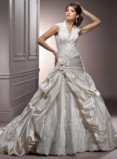 Delectable 2014 New Arrival Style V-neck Wedding Dress at Storedress.com  THIS IS THE ONE!! FINALLY