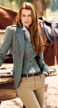 Ralph Lauren: perfect business casual look. If only the blazer and vest were black Style Work, Mode Style, Style Me, Look Fashion, Winter Fashion, Estilo Tomboy, Moda Formal, 2014 Trends, Equestrian Style