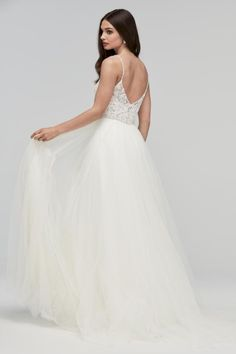 Awesome 38 Fairy Tale Wedding Dresses for the Disney Princess Bride https://clothme.net/2018/02/10/38-fairy-tale-wedding-dresses-disney-princess-bride/