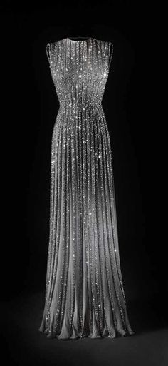 In love with this sparkly dress