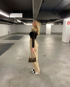 Instagram Pose, Instagram Fashion, Cute Casual Outfits, Summer Outfits, Look Fashion, Fashion Outfits, Trendy Fashion, Looks Pinterest, Foto Casual
