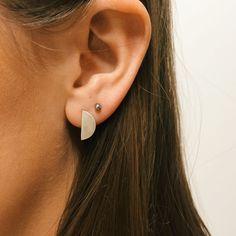 Stud Earrings, Jewellery, Facebook, Fashion, Moda, Jewels, Fashion Styles, Stud Earring, Schmuck