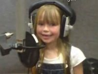 5 Year Old Girl Sings Like an Angel - Absolutely Beautiful, Click Here ♥