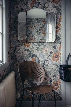 Vaknar till Hannas anemoner Second bath Home Decor Styles, Cheap Home Decor, Diy Home Decor, Design Retro, Deco Design, Home Interior, Interior And Exterior, Decor Scandinavian, Interior Wallpaper