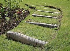 Aménagement d'un bord de gazon en pente (Jardin d'Avril, Châteaudouble) - E. Brenckle - Rustica